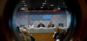 Avances y obstáculos en el liderazgo femenino en España y EEUU