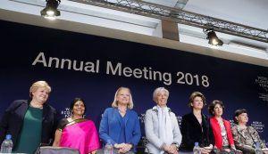 Davos pone a mujeres al frente, pero siguen mandando hombres