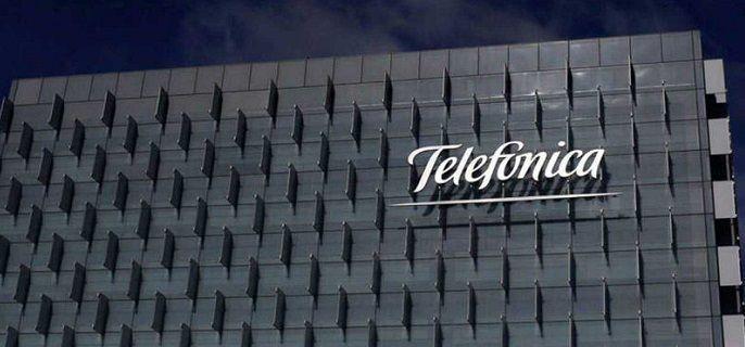 Telefónica lanza un programa de becas para mujeres STEM