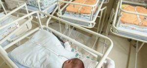 Los nacimientos caen un 40% en la última década