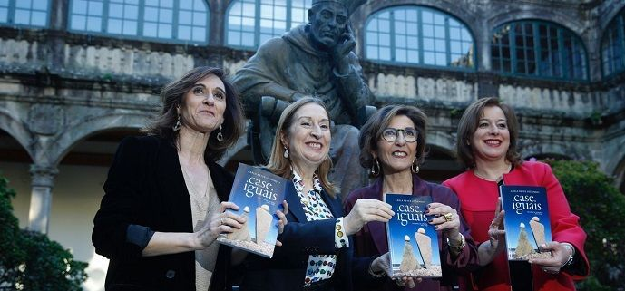 Carla Reyes presenta su libro 'Case Iguais' arropada por Ana Pastor